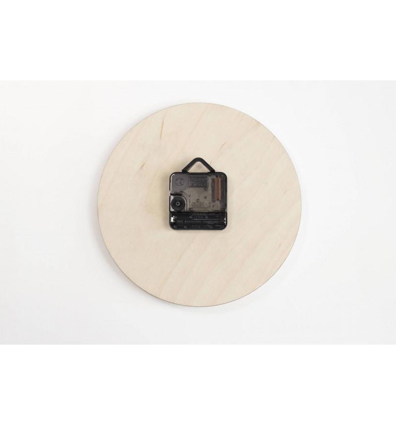 Apvalios formos medinis sieninis laikrodis