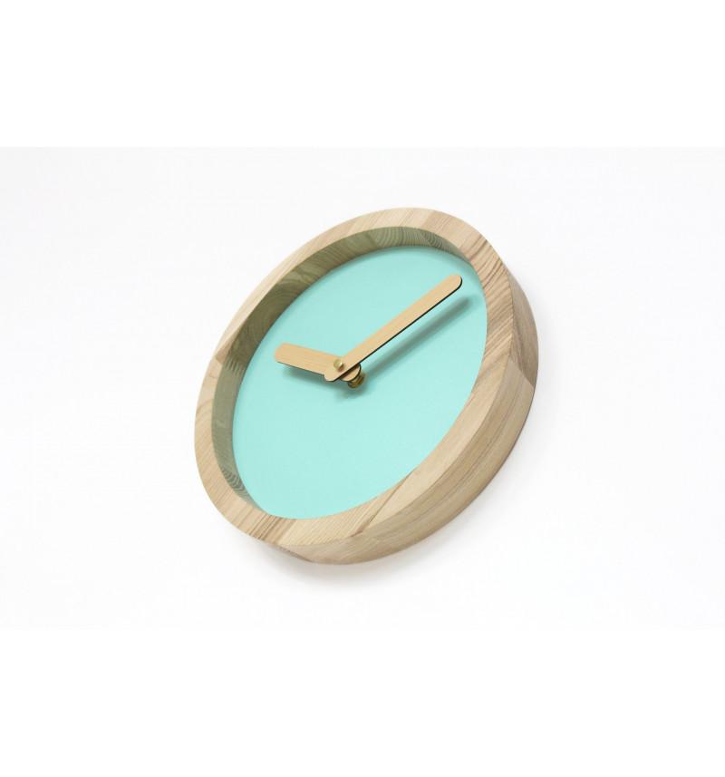 """Apvalios formos šviesus medinis sieninis laikrodis """"Laikas"""""""