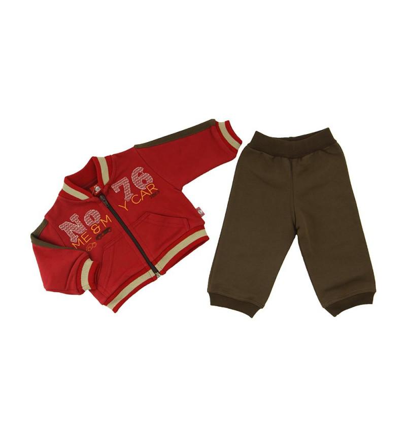 Bordo spalvos dviejų dalių sportinis kostiumas