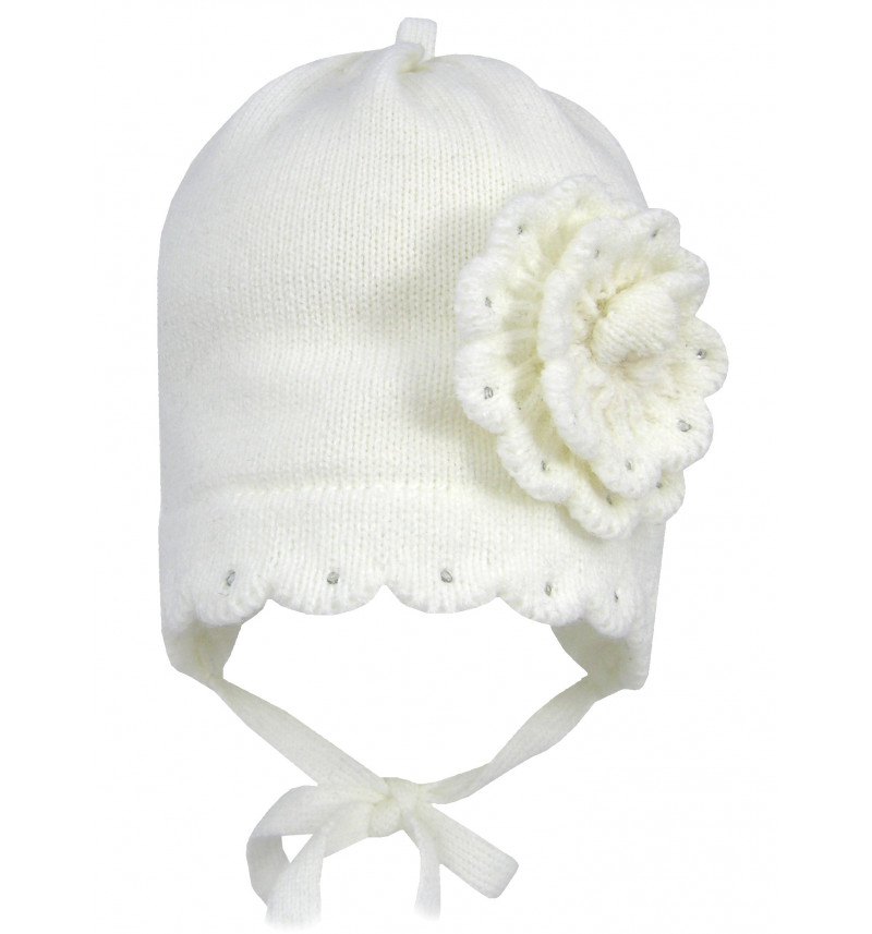 Puošni balta kepurė