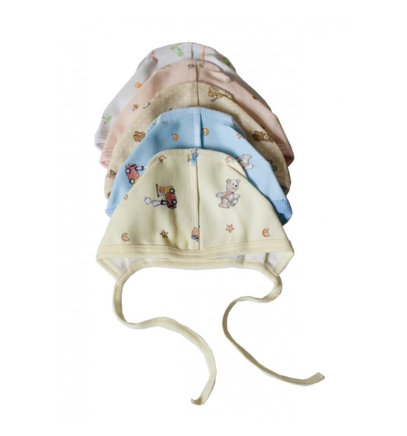 Vilaurita šilta kepuraitė išvirkšiomis siūlėmis su raišteliais