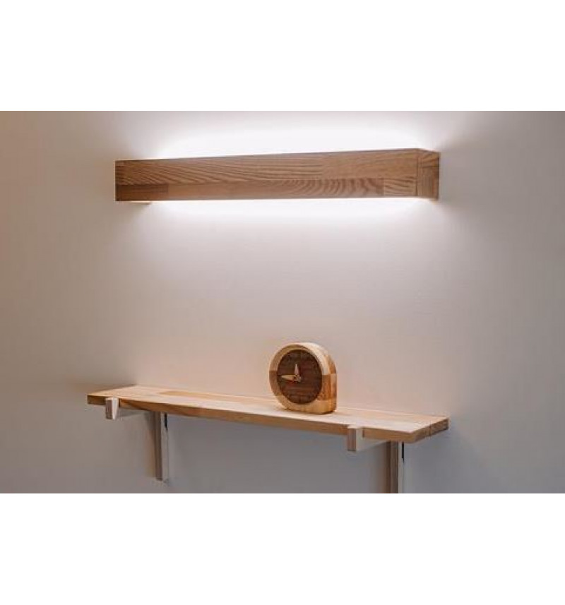 Mažas modernus medinis sieninis šviestuvas